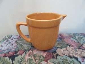 Diana Pottery Jug Gold