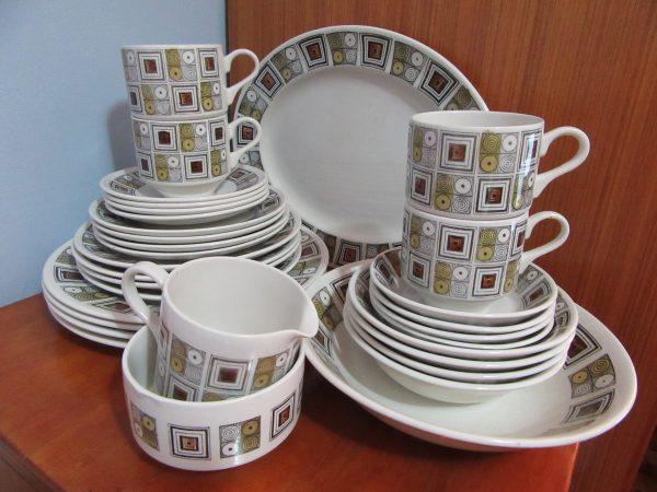 Kathie Winkle Dinner Set