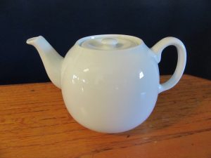 Pillivuyt France Teapot